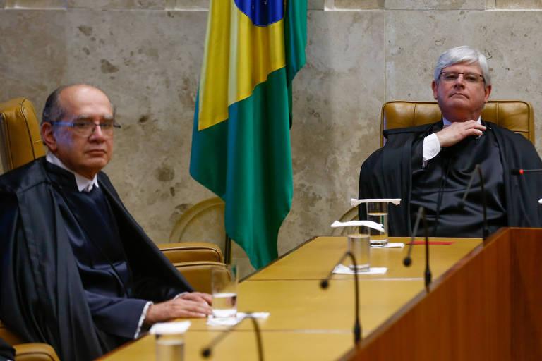 O ministro Gilmar Mendes (à esq.) e o então procurador-geral, Rodrigo Janot, durante sessão no plenário do STF