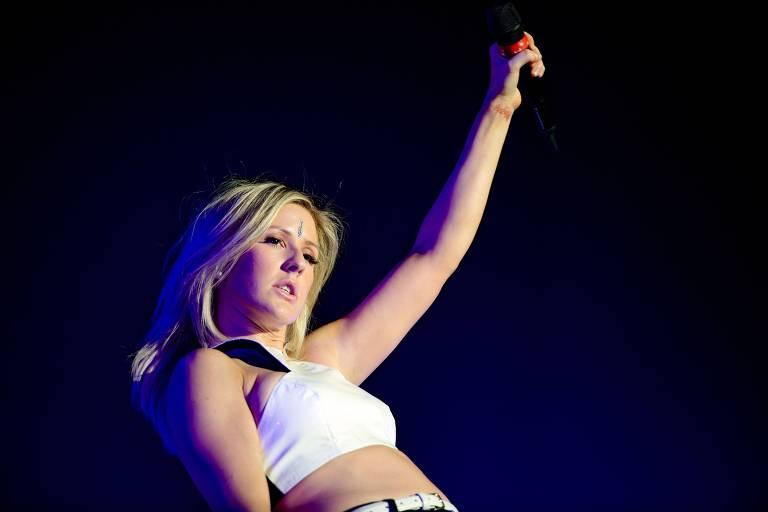 Música: a cantora Ellie Goulding, durante show, em Amsterdã (Holanda). *** British pop singer Ellie Goulding performs in Amsterdam, on February 15, 2014. AFP PHOTO/ ANP / KIPPA FERDY DAMMAN netherlands out