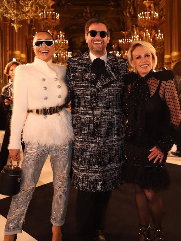 Sabrina Sato, Bruno Astuto e Ana Maria Braga na Semana de Moda de Paris
