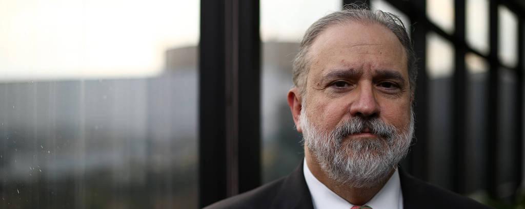 O procurador-geral da República, Augusto Aras, durante entrevista à Folha em seu gabinete