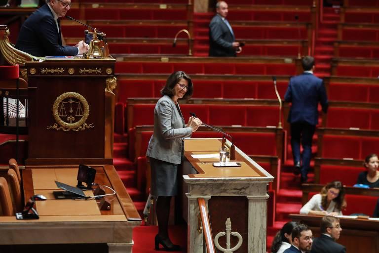 Agnès Buzyn discursa na Assembleia Nacional sobre o tema da reprodução assistida para todas as mulheres