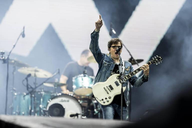 Show da banda Weezer no palco Mundo, no segundo dia do festival Rock in Rio