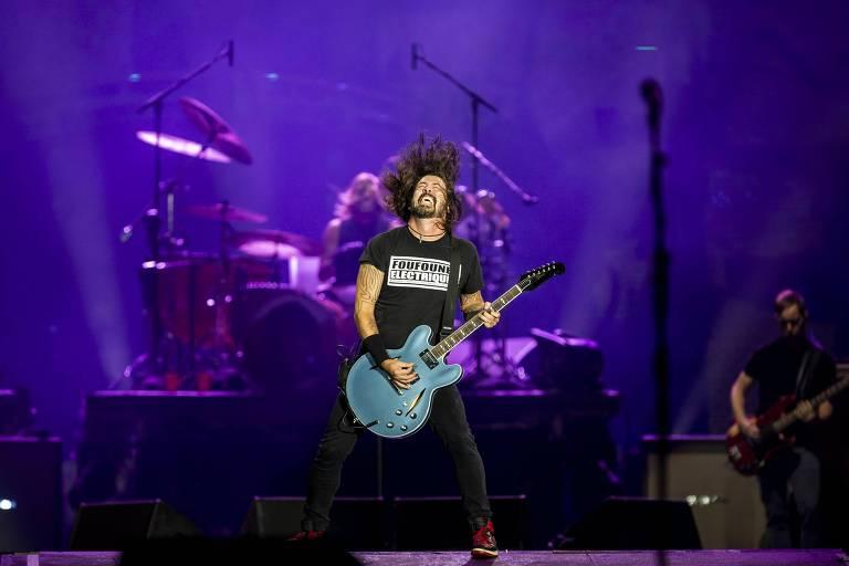 Show da banda Foo Fighters no palco Mundo, no segundo dia do festival Rock in Rio, realizado no parque olímpico, na zona oeste do Rio de Janeiro.