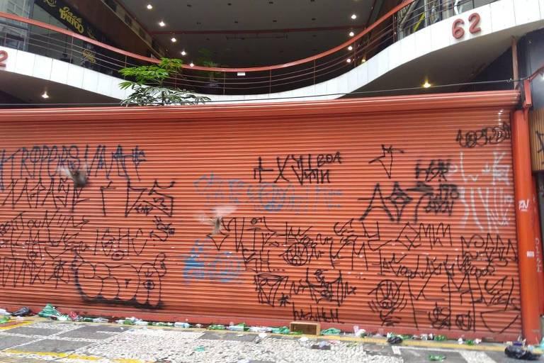 Galeria do Rock apareceu pichada após SP na Rua