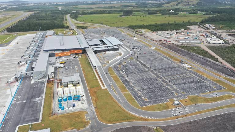 Novo aeroporto de Florianópolis começa a operar nesta terça