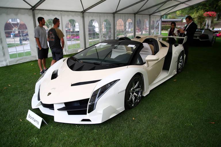 Em meio à coleção de carros de luxo de Teodorín, havia um Lamborghini Veneno Roadster de 2014