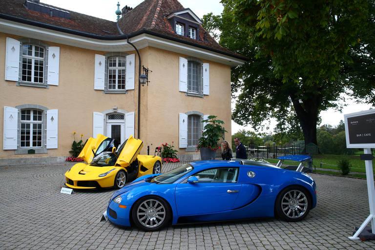 Os carros de luxo foram leiloados em um clube de golfe de Cheserex, perto de Genebra, na Suíça