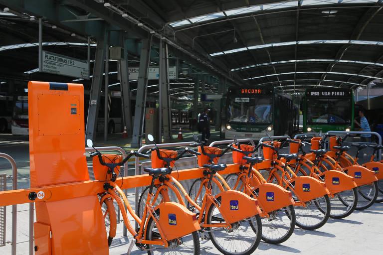 Centro de São Paulo ganha nova leva de bicicletas do Itaú