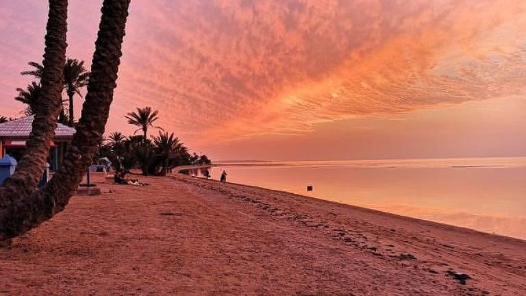 Pôr do sol em praia