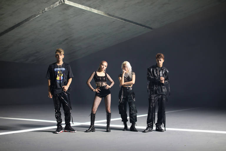 BM, Somin, Jiwoo e J.Seph, integrantes do grupo de k-pop Kard