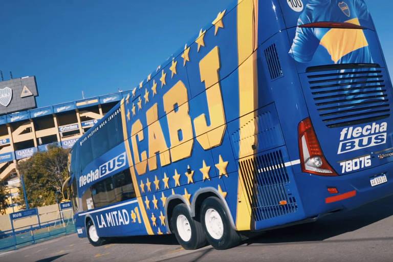 """Novo ônibus do Boca Juniors é blindado e tem o apelido de """"La Bestia"""" (A Fera, em espanhol)"""