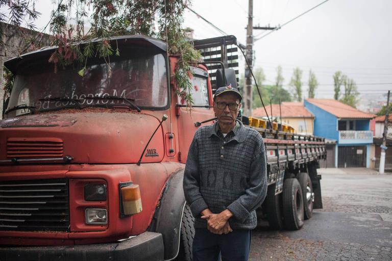 Morador reclama de caminhão abandonado na zona leste