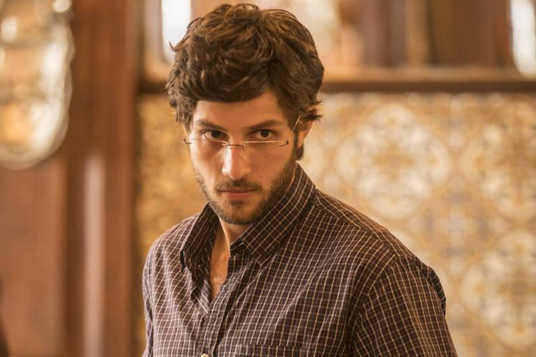 Chay Suede será filho de Adriana Esteves em 'Amor de Mãe', substituta de 'A Dona do Pedaço'