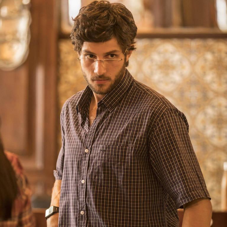 """Chay Suede como Danilo, em """"Amor de Mãe"""", nova novela da Globo"""