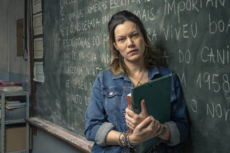"""Sônia (Hermila Guedes), da série """"Segunda Chamada"""", da Globo"""
