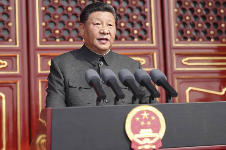 O dirigente chinês Xi Jinping discursa na abertura das celebrações do 70º aniversário da Revolução Chinesa