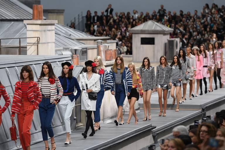 Veja desfile da Chanel na Semana de Moda em Paris
