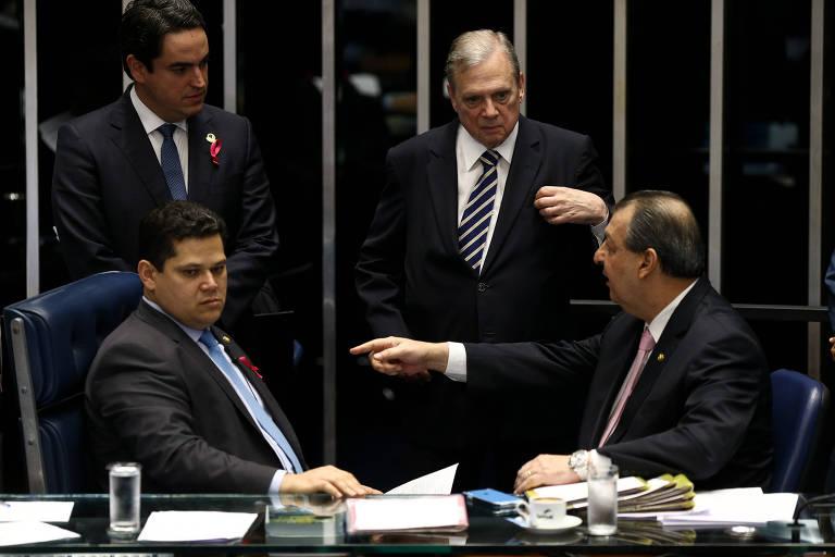 Plenário do Senado começa a votar a proposta de reforma da Previdência