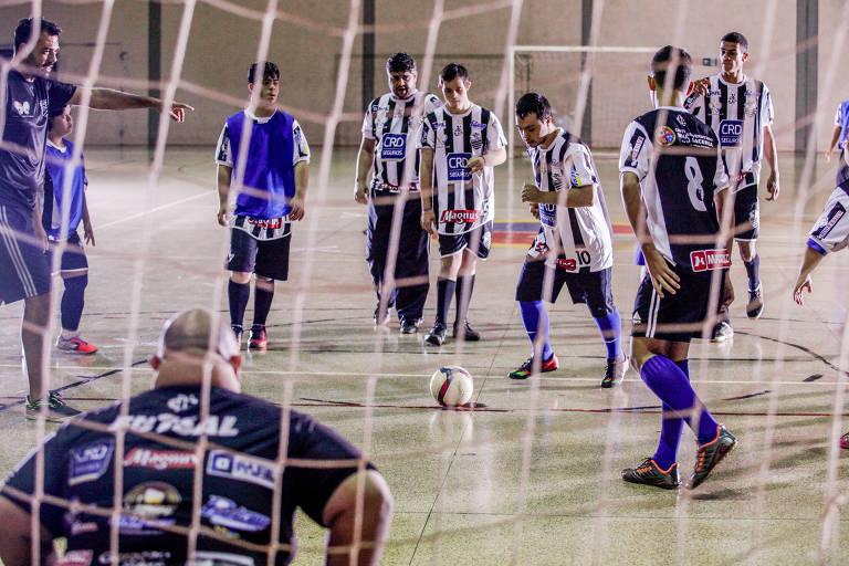 Futsal down