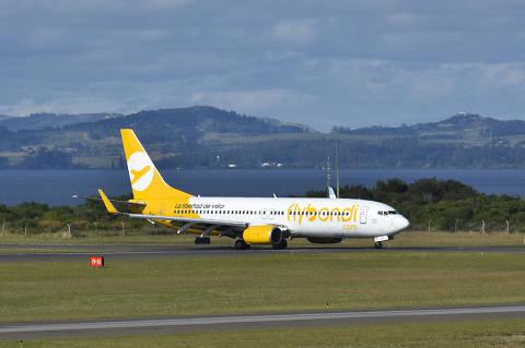 Avião da Flybondi, companhia argentina que começa a operar no Brasil em outubro