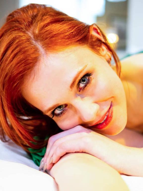 Imagens da atriz Maitland Ward Baxter