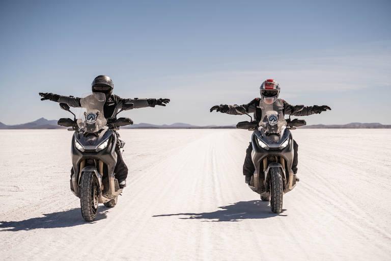 Projeto 'Pro Outro Lado da América', da Honda, reuniu pilotos atravessando a América do Sul em carros e motos da fabricante japonesa
