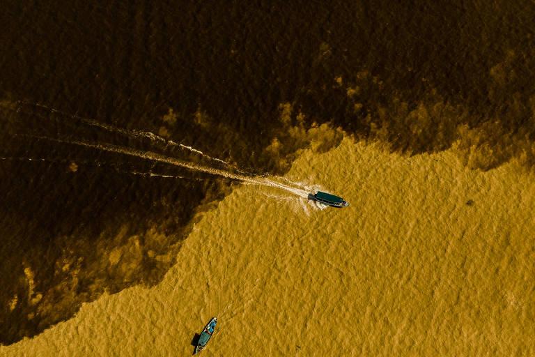 Voos de helicóptero para conhecer o Brasil