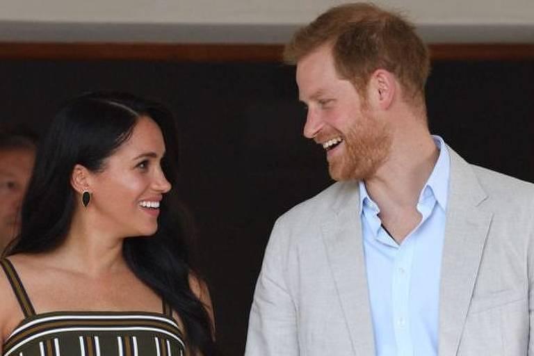 Harry diz que a maneira como Meghan é tratada pela imprensa tabloide é 'bullying'