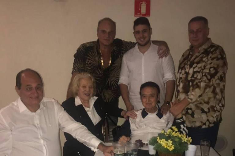 Felipe Cheidde com a família