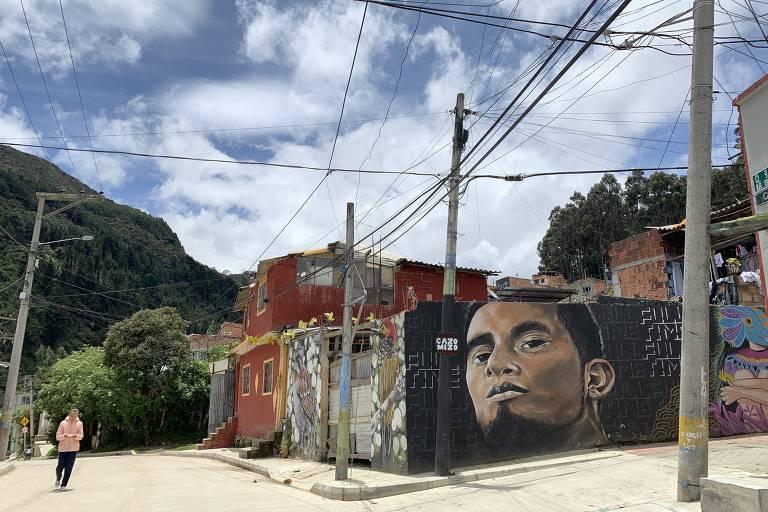 Bienal de Arte em morro de Bogotá