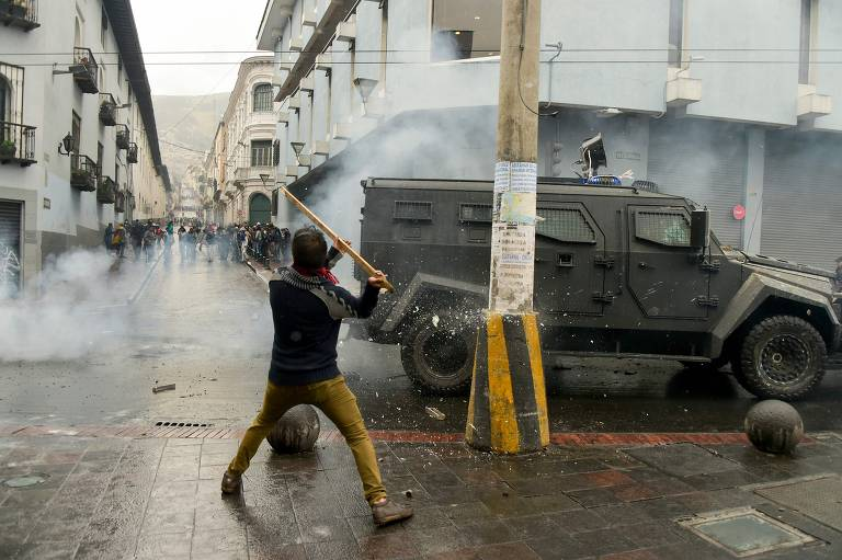 Equador decreta estado de exceção devido a protestos por alta da gasolina