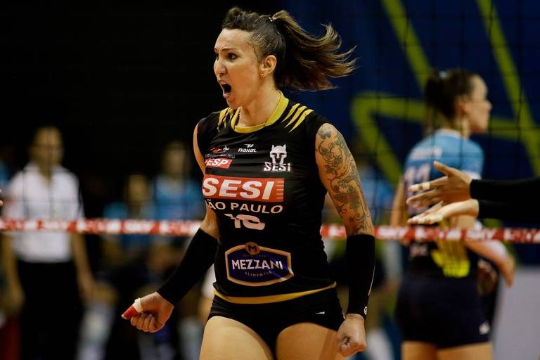 A jogadora transexual Tifanny defende o Bauru na Superliga Feminina de Vôlei