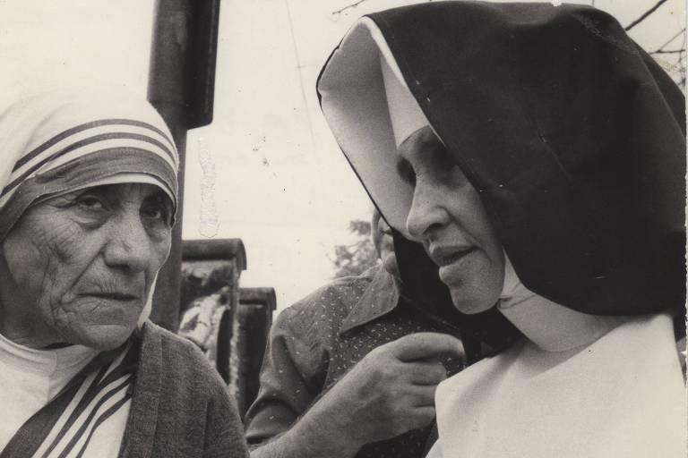 Madre Teresa de Calcutá e Irmã Dulce, durante encontro. Ambas se tornaram santas da Igreja Católica