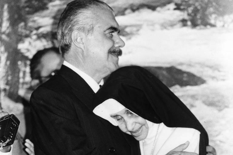 Irmã Dulce e o ex-presidente José Sarney, que cultivaram relação de amizade