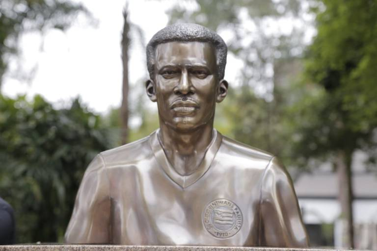 O busto de Teleco no Parque São Jorge