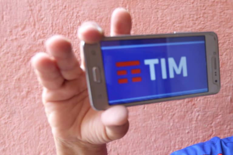 Dona de casa reclama de atendimento da TIM