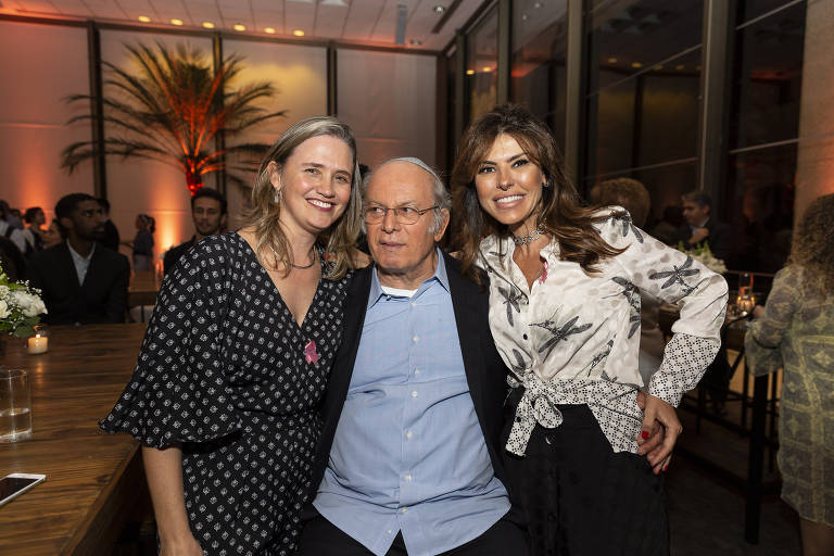 """As autoras, Márcia Setti e Priscila Pasqualin, ao lado de Elie Horn no lançamento do livro """"O Legal da Filantropia"""". O empresário e filantropo prefaciou a obra das advogadas"""