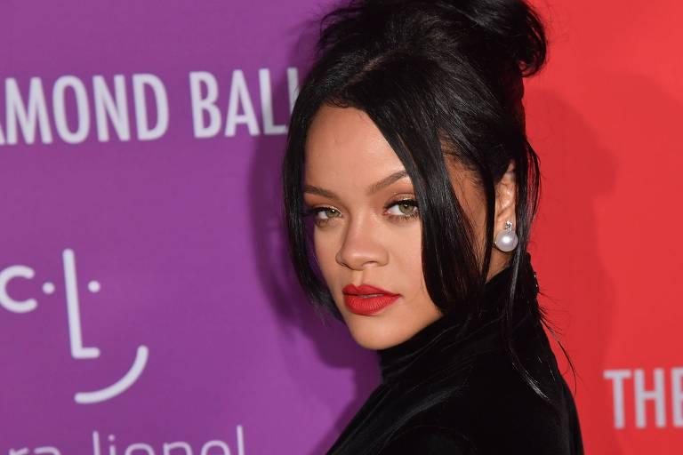 Rihanna lança edição de roupas íntimas em apoio à luta contra o câncer de mama