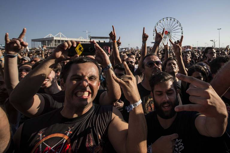 Publico durante show da banda Claustrofobia no palco Sunset, no segundo dia do festival na segunda semana do Rock in Rio