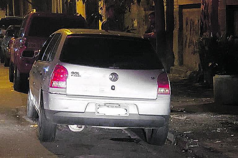 Carro usado por policial suspeito de extorquir dinheiro de comerciantes no Brás, em abril deste ano