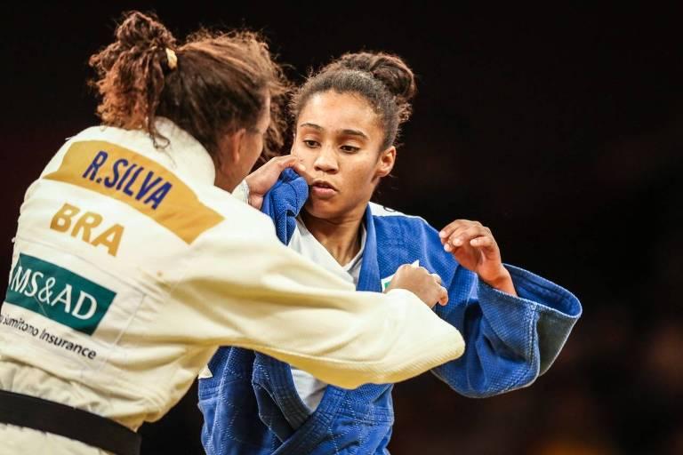 Ketelyn luta com Rafaela Silva durante o Grand Slam de Judô de Brasília