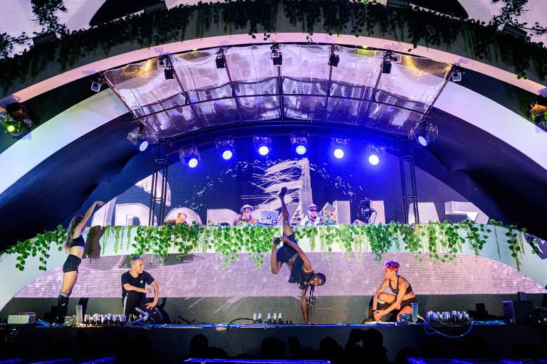 Apresentação do grupo Tropkillaz no palco eletrônico do Rock in Rio