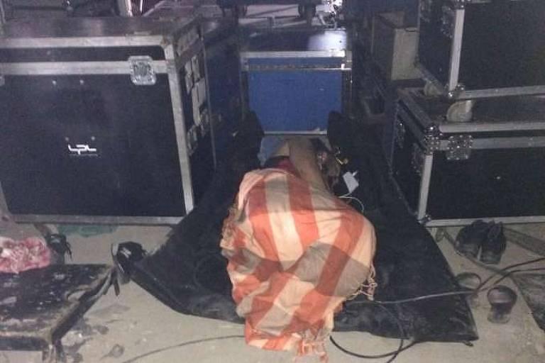 Funcionário foi encontrado dormindo embaixo do palco neste sábado (5) no Rock in Rio