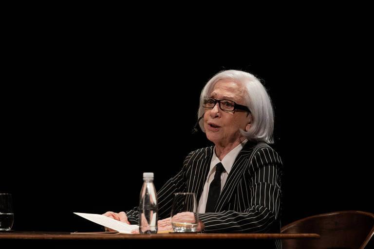 Fernanda Montenegro comenta pela primeira vez seu livro de memórias em evento no Theatro Municipal