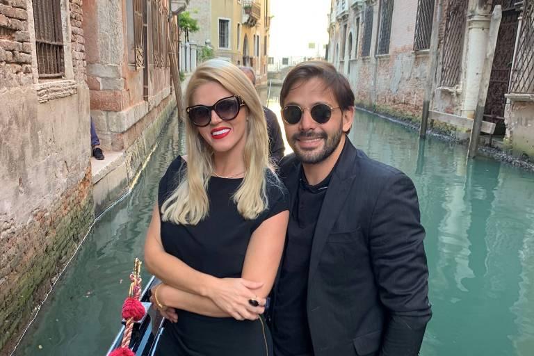 A socialite Val Marchiori foi pedida em casamento pelo empresário Thiago Castilho em Veneza