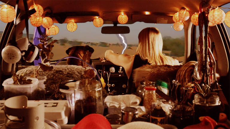 'Driving to the Ends of Earth', obra de Erin Coates exibida na 21ª Bienal de Arte Contemporânea do Sesc_Videobrasil