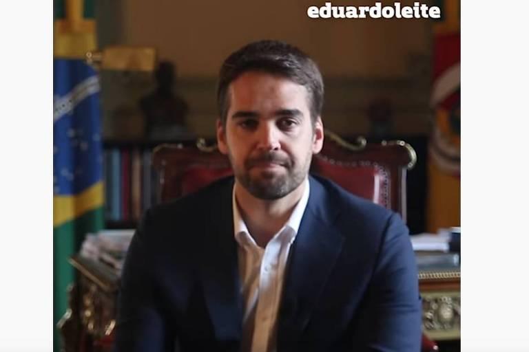 Eduardo Leite durante pronunciamento em seu canal no Youtube