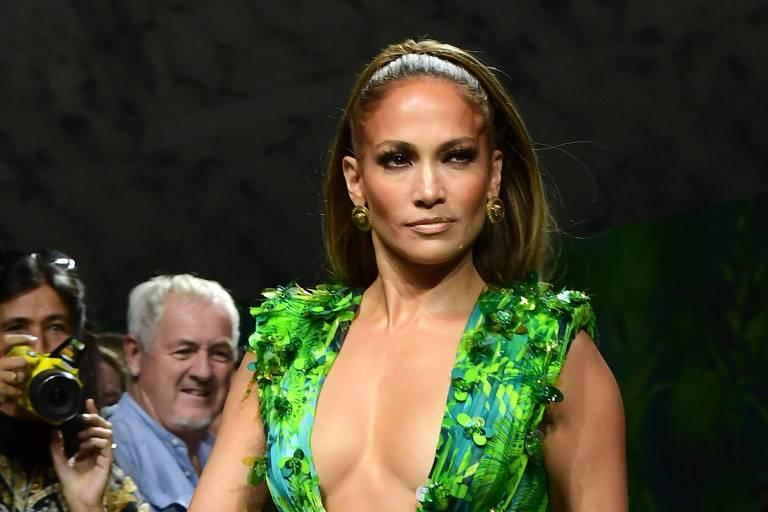 A cantora Jennifer Lopez na semana de moda em Milão
