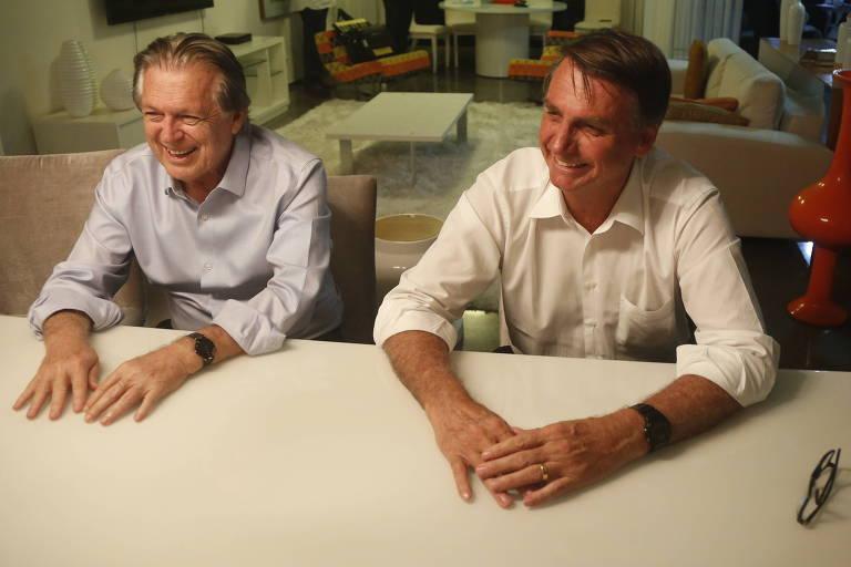 Luciano Bivar e Jair Bolsonaro em evento de filiação do então candidato ao PSL, em 2018