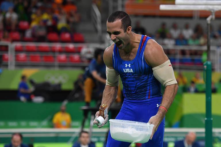 Mel ajuda ginastas a ter firmeza em apresentações do Mundial